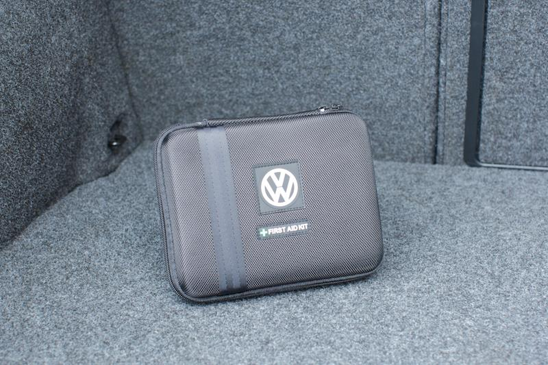 Diagram First Aid Kit - Black (000093108B9B9) for your Volkswagen